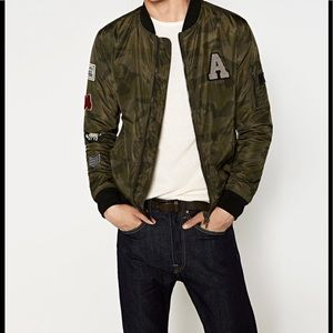 NWT Zara Men Camo Bomber Jacket Patches Sz Large