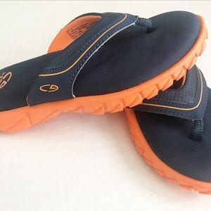 039589ca8a14 Champion Shoes - NWOT Boys comfy Champion flip flops