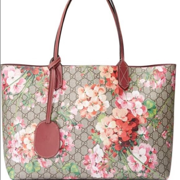 2957c44ef Gucci Bags | Large Gg Blooms Reversible Canvas Leather Tote | Poshmark
