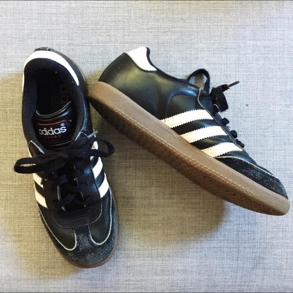 Le Adidas Samba D'epoca Nere Classica Le Scarpe Nere D'epoca Poshmark b6d7d5