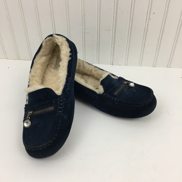 7d78111d4f7 UGG Ansley Charm slipper moccasin in midnight