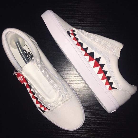 7cd600a75ce63c Custom (Bape Shark Teeth) Inspired Vans
