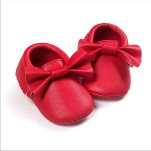 Other - Adorable baby faux leather moccasins