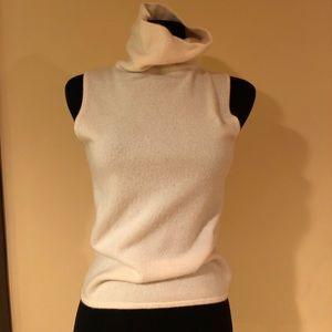 Neiman Marcus 100% cashmere turtleneck top