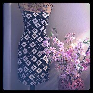 Black & white strapless dress sweetheart neckline