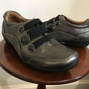 Taos metallic grey shoes. Size 8.5