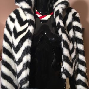 Tops - Faux fur cropped bolero jacket/ top
