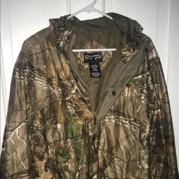32ab753a98760 Men's Camo RealTree light jacket. M_59f7ac934225beabba0c5f93