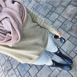 Blush Oversized knit scarf, new with tags