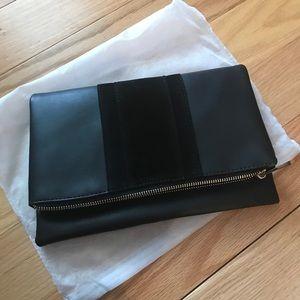 Handbags - 🎉HOST PICK🎉🎀NWOT🎀  Foldover Clutch in Black