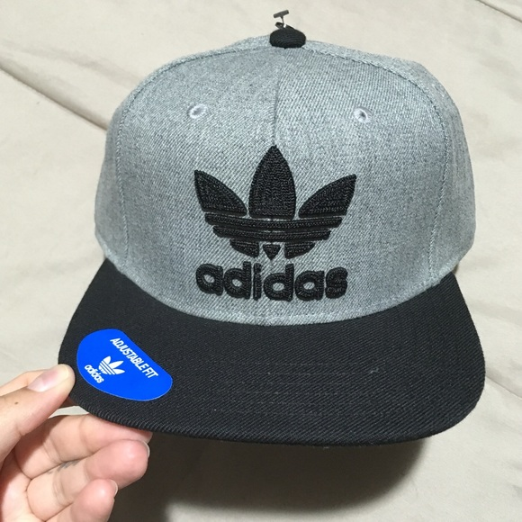 9274311fb99d7 Adidas Original Trefoil SnapBack Hat Gray Black