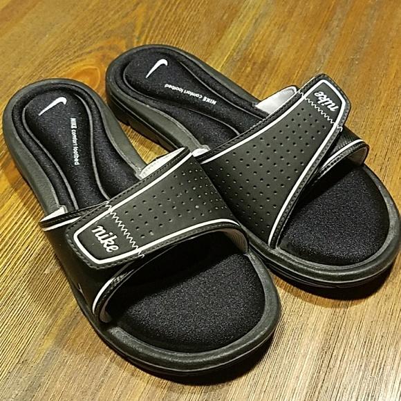 4ece7ee6f9131 ... new zealand super comfy nike velcro sandals bb64e 18b47