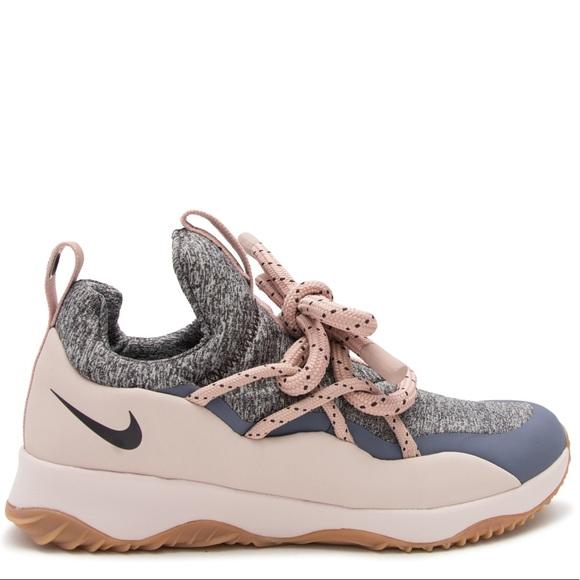 more photos 695fb 5132b Nike pink city loop sneakers size 9
