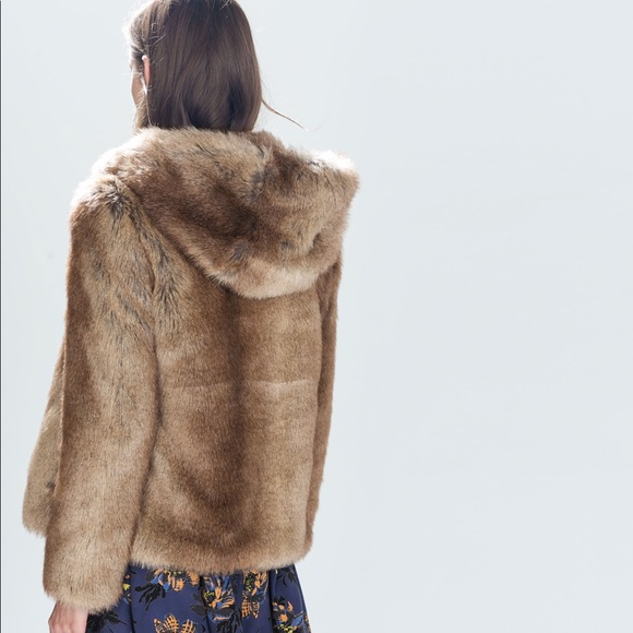47805f86bb Zara Faux Fur Jacket with Hood