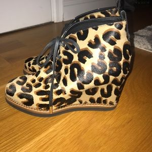 NEW, AUTHENTIC LOUIS VUITTON leopard wedge booties