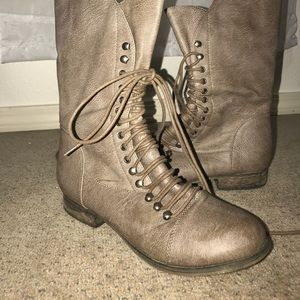 Scallop top boots