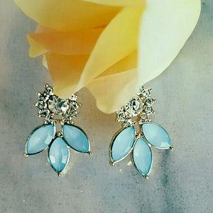 Jewelry - NEW Gorgeous Crystal Blue Tear Drop Earrings