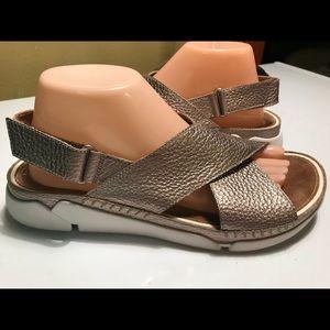 48d12bf3b45e Clarks Shoes - Clarks Tri Alexia TRIGENIC Gold Sandals Size 9.5