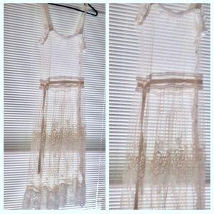 Stunning Antique / Vintage White Lace Dress. XS S