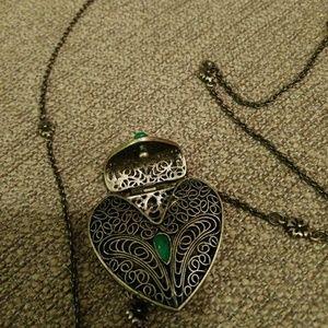 Jewelry - Heart shaped locket