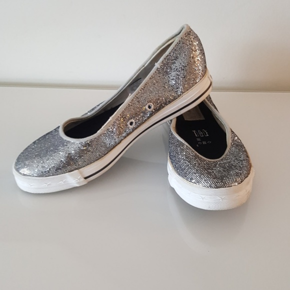 df553fb60403ba Converse Shoes - Converse one star flat