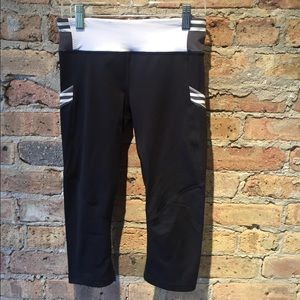 lululemon athletica Pants - Lululemon black and white legging, sz 2, 55326