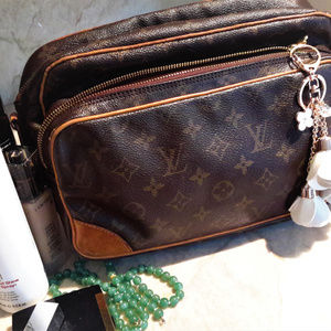 Louis Vuitton travel pouch Nil 28