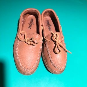 Minnetonka Brown Leather Hard Soled Moccasins s5.5