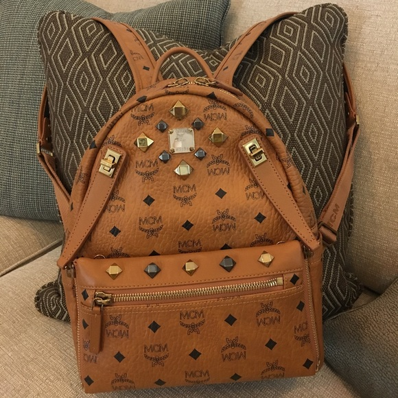 64ffcb799f28 MCM DUAL STARK BACKPACK IN COGNAC SMALL SIZE. M 59f8b69e2599fe36a001691c