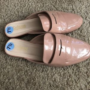 Catherine size 7.5 preowned