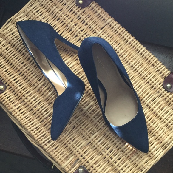 e5a0f7dc4665 Saks Fifth Avenue Cathy Pumps in Navy Suede. M 59f8c6864e95a3c55501b381