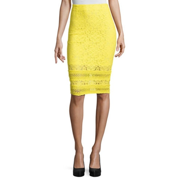 Project Runway Dresses & Skirts - NWT Project Runway yellow lace trim pencil skirt