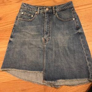 Never worn Zara high wasted mini skirt size s