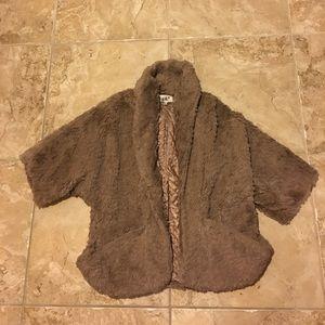 Brown quarter sleeve, shawl collar jacket