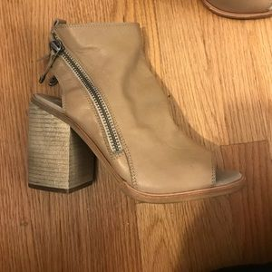 Never worn Taupe bootie size 9 1/2