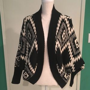 Lumiere tribal/Aztec sweater size S