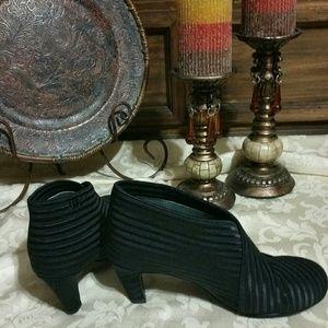 Glamorous style boots