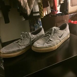 Nike SB Clutch Men's Skate Shoes Sz 9.5