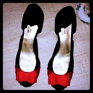 Classic Pretty Black Peep Toe Heels with Red Bows
