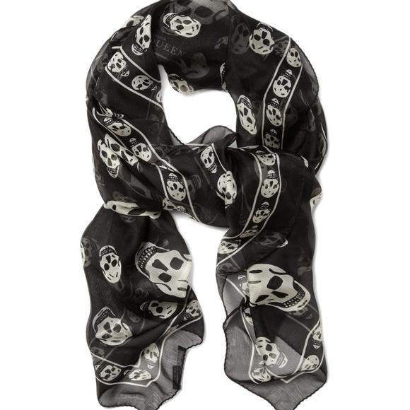 0e3929ccf Alexander Mcqueen Black Scarf White Skull Print. M_59f8f982bf6df59afe027f6f