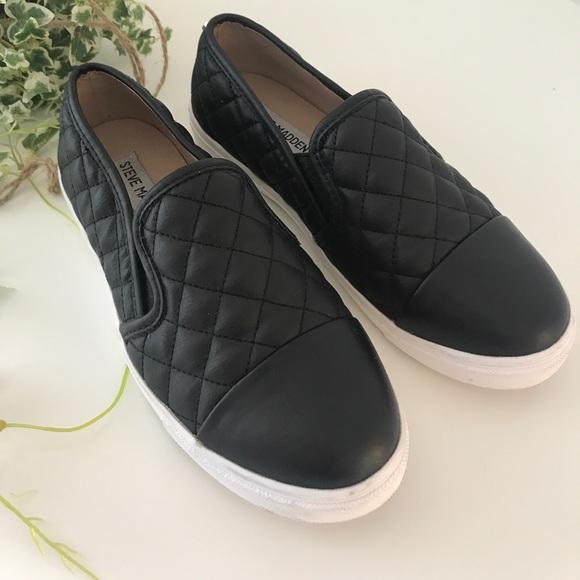 d1c65609539 Steve Madden Zaander Slip On Sneakers 🔥. M 59f9008c4127d00c4d02930f