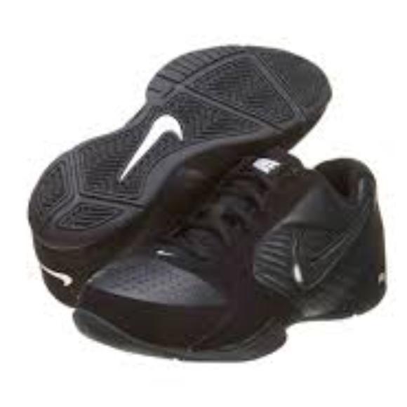 705125f02326 Nike Baseline Basketball Shoes 386240-001. M 59f90f6aa88e7d739602dea6