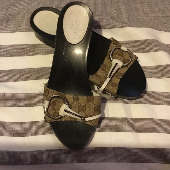 49556b742 Gucci Shoes | Used Tan Brown Sandals Size 7 | Poshmark