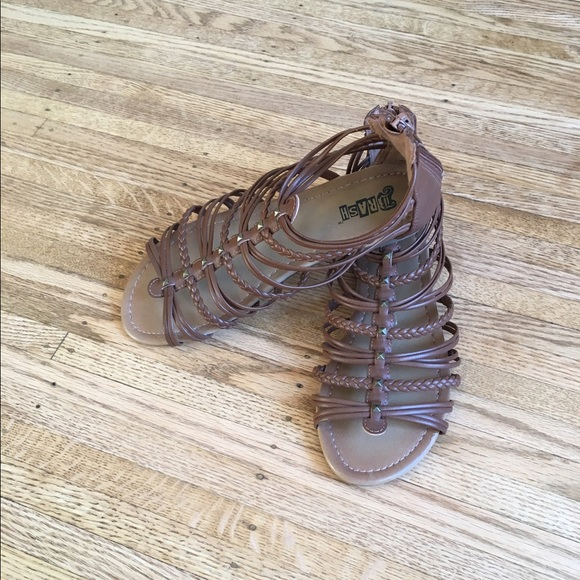 046529492e0f Brash Shoes - New Cute Brash brown gladiator sandals-7