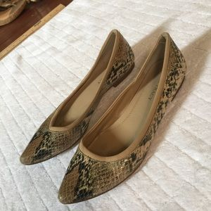 Ellen Tracy Snakeskin Pointed Flats