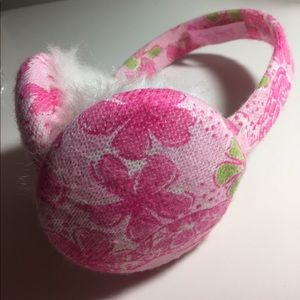 NWOT Lilly Pulitzer Ear Muffs in Slow Down Print