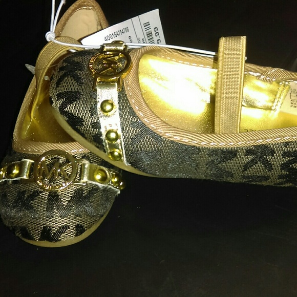 Michael Kors Michael Kors infant girl shoes size 5 from