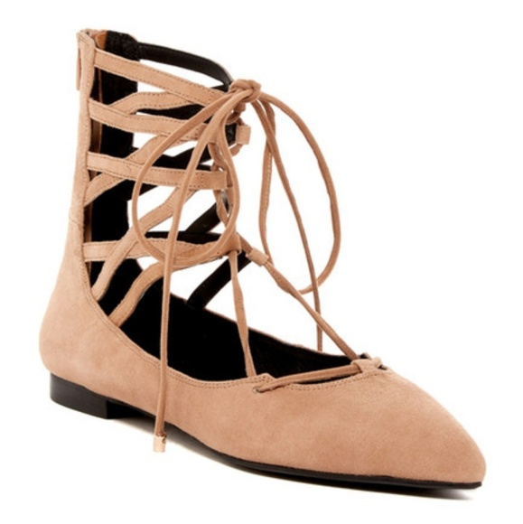 Jeffrey Campbell Shoes - Like New! Jeffrey Campbell Atrium flats size 9
