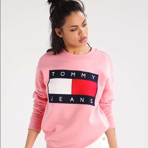 28d09b5535ac Tommy Hilfiger Sweaters   Tommy Jeans 90s Pullover Sweatshirt ...