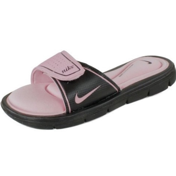 6c5064461369 Nike Women s Comfort Slides. M 59f96819bf6df501140431e0